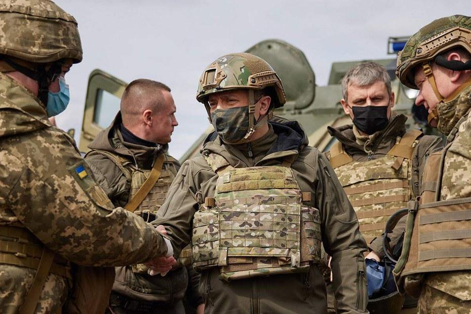 Ukraine-Selenskyj-lernt-nun-was-er-wissen-sollte